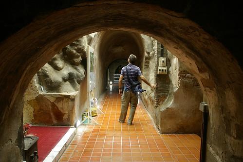 buddha tunnels