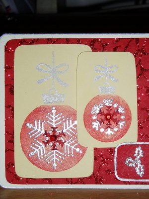 Close up of the baubles on the red card. I think the red snowflake in the middle works spectacularly well. you can see the jewelled sequin thing in the middle a bit better here too.