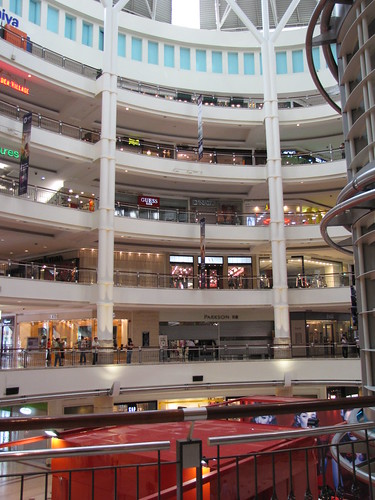 There are 6 floors in this mall, I walked them all