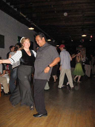Ginger and John Dancing at Fizz