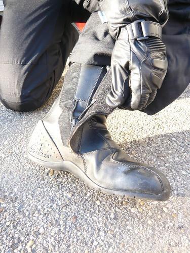 Review Alpinestars Ridge Waterproof Boots Roam