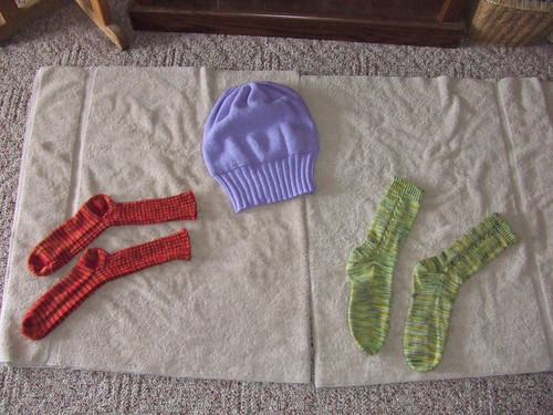 Handknits, drying