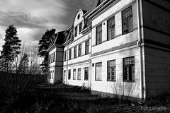 Mental institution/old people's home/poorhouse