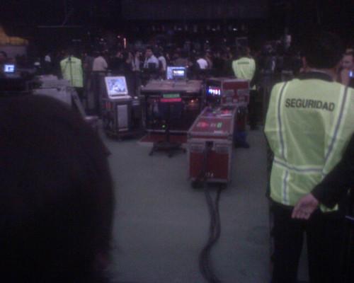 Equipamiento de los técnicos que asistian al show