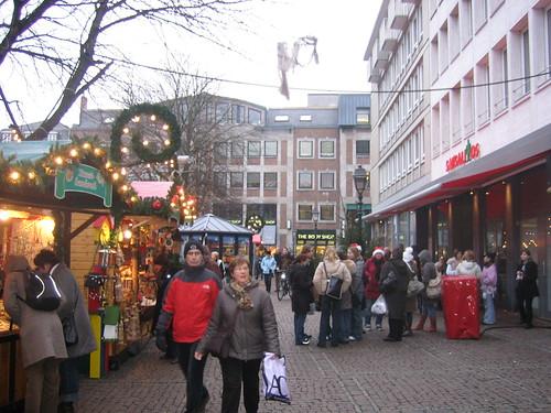 More Market. Surprised looking Germans.