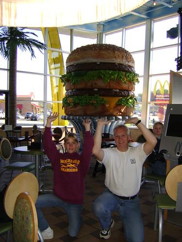 Heavy Cheeseburger