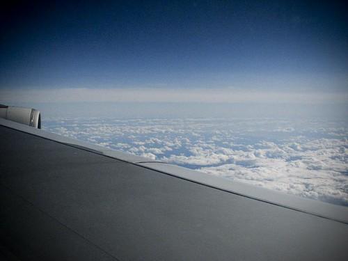비행기 안에서 찍은 구름 사진
