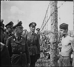 Himmler besichtigt die Gefangenenlager in Russland