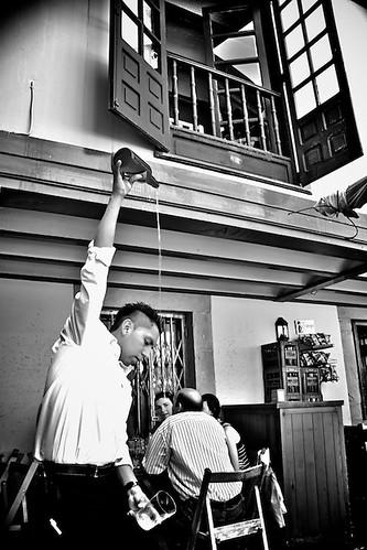 Escanciando Sidra // Throwing the Cider by Todo-Juanjo.