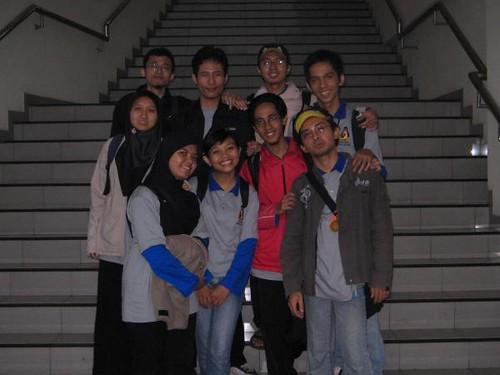 foto bareng tim safari dan sso PPTIK di Magister manajemen UGM
