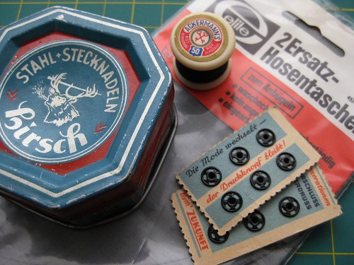 Kurzwaren / Vintage Craft Supplies
