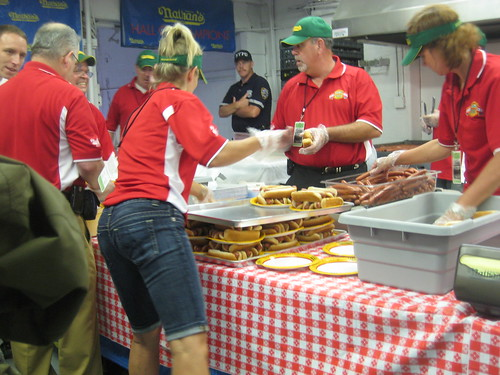 hot dog prep