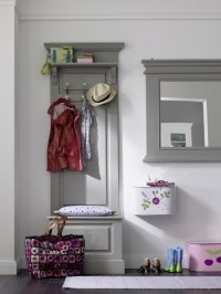 Inspiring ideas for decorating small entryways