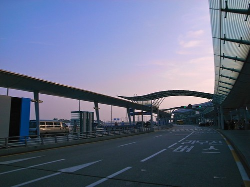 Incheon Airport, Departures Platform. Photo by wZa.