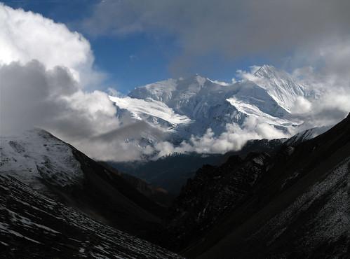 West CHulu (6.419 mts) y Central Chulu (6.584 mts)