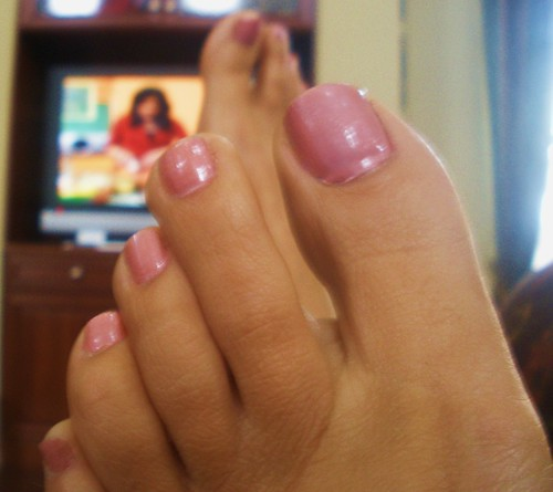Pink Toenails, my feet and toes after I painted my toenails a frosty ...