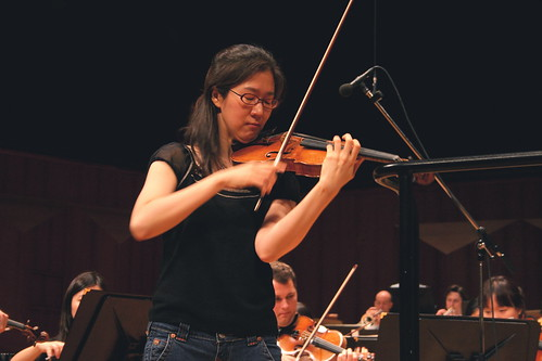 Dress rehearsal of Beethovens Violin Concerto, with soloist Sun-Mi Chang