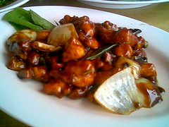 Sibu Sweet Family's gong pao chicken
