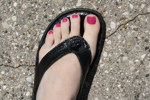 freshy polished toes
