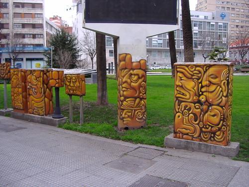 Graffitis en los trasformadores de la luz en Gijón