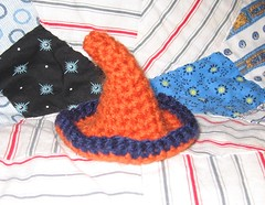 Wee Witch's hat in Ravenclaw colors