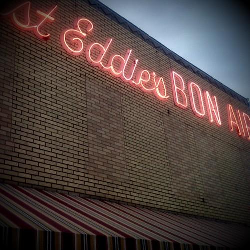 Fast Eddie's sign