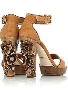 miumiu_carved_floral_heel por foohqwah.