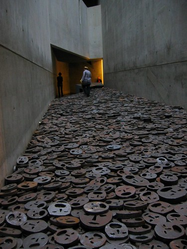 The Shalechet (Fall Leaves) installation in the Jüdisches Museum (Jewish Museum).