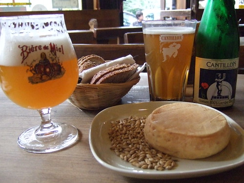 beer and cheese at Chez Moeder Lambic