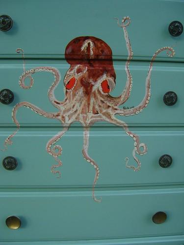 octopus dresser front