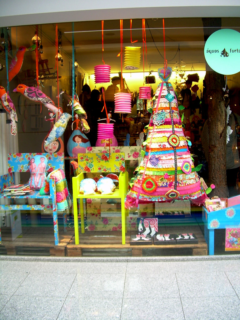 Our shop window this Christmas / A nossa montra de Natal este ano