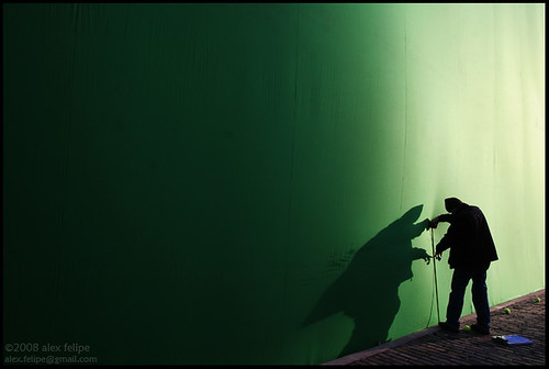 Setting up a giant green screen so as to superimpose a London scene.  This was for a Elisha Cuthbert tv pilot.