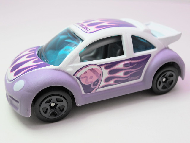 hot wheels easter eggsclusive volkswagen beetle cup (2)