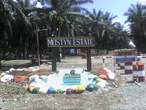 papan tanda ladang mostyn
