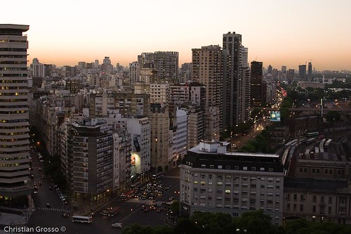 """Atardecer en Buenos Aires • <a style=""""font-size:0.8em;"""" href=""""http://www.flickr.com/photos/20681585@N05/2594617366/"""" target=""""_blank"""">View on Flickr</a>"""