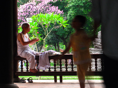 Old man in the park, Hanoi