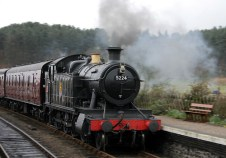 Pumping in Public - Steam Train at Weybourne in motion