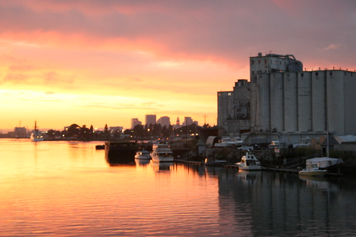 sunset in oakland 2008-08-05 062 by zakattak