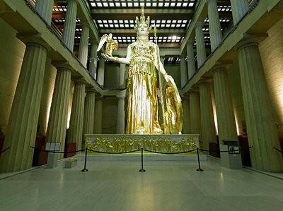 copia de la estatua de la diosa Athenea Parthenos