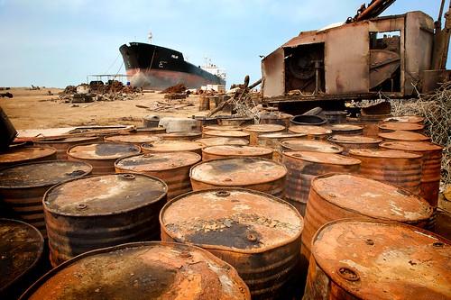 Gadani shipbreaking yard , near Karachi (image by Michael Foley)