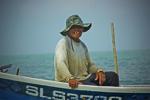 senyum nelayan