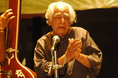 Ustad Fahimuddin Dagar saab at SPICMACAY convention, Kohima by Vasu..