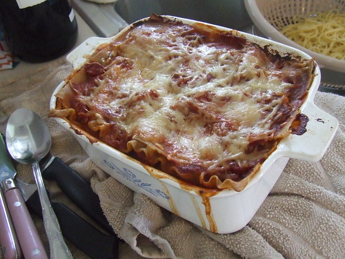 MMMMMMMMMMMMMMMM!!!!  Moms lasagna!