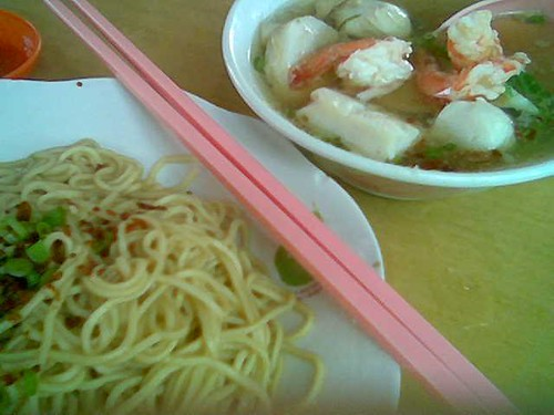 KK seafood kolo mee