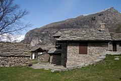 Per boschi in Val Grande di Lanzo