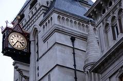 O relógio da justiça / The clock from justice