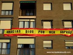 teoriasdelabsurdo - Gracias Dios por ser español (Flickr)