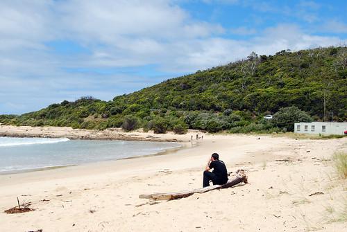 Juan meditando en una de las playas