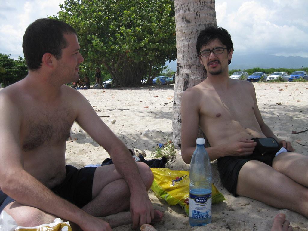 Con Juan, en Playa Ancón, cerca de Trinidad