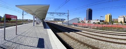 Panorámica del andén de la estación de Alcalá de Henares, La Garena